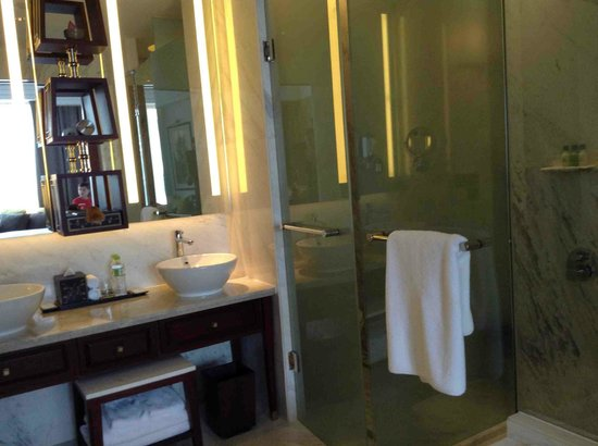 Park Hyatt Siem Reap: Bathroom