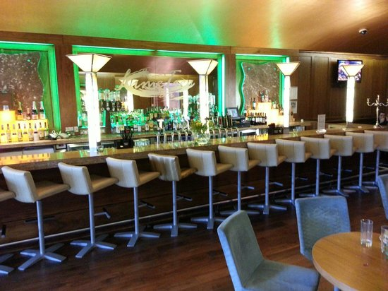 Castleknock Hotel & Country Club: One of the bars