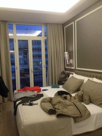 Hotel Catalonia Passeig de Gracia : Room - standard, king size bed