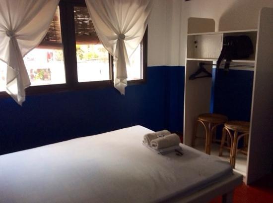Casa Buenavista: bedroom, shared bathroom