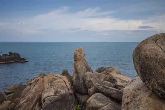 Samui Beach Resort : в 5 мин ходьбы местная достопримечательность