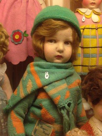 Musée de la Poupée: Doll in green