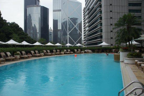 Island Shangri-La Hong Kong: Pool