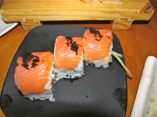 Tokyo Cafe: Salmon roll