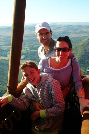 Bill Harrop's Original Balloon Safaris : Family memories on Harrop's Balloons