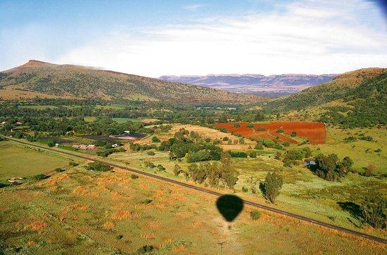 Bill Harrop's Original Balloon Safaris : Magalies River Valley from Harrop's Balloon Safaris
