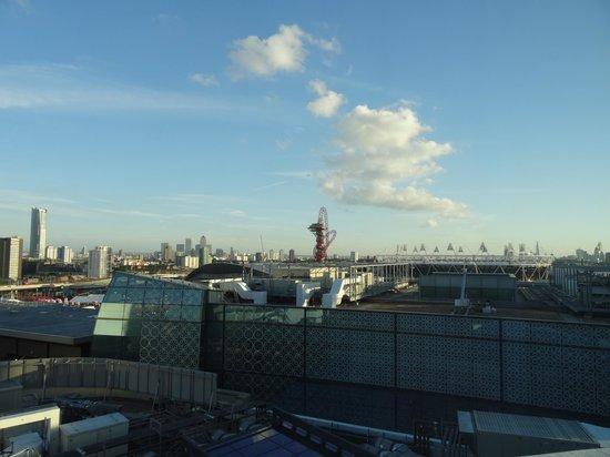 Premier Inn London Stratford Hotel : View from the window