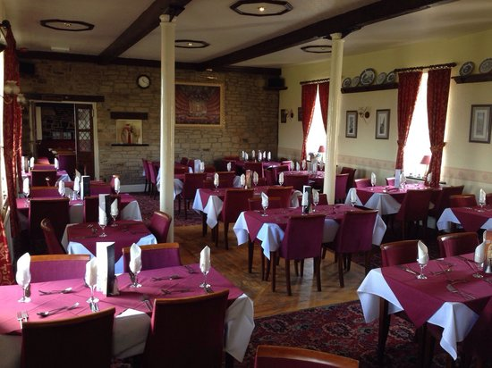 Golcar Lily: Restaurant