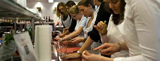 Experience Paris - Guided City Tour: Students from the US in a Cooking Class