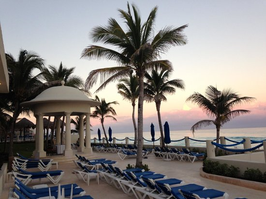 Occidental Tucancun: Beautiful view from pool area