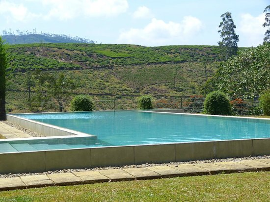 Ceylon Tea Trails : Pool