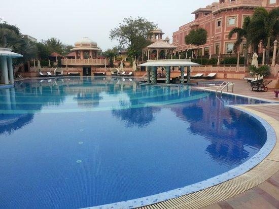 Orient Taj : Pool with inbuilt bar