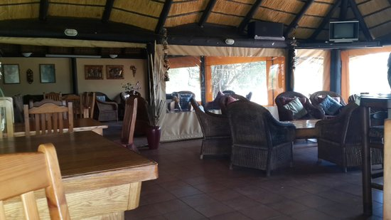 Tranquillity Day Spa & Lodge: Restaurant, Lounge & Bar Area