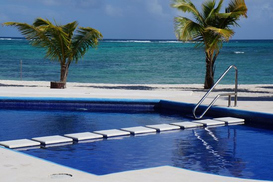 PavoReal Beach Resort Tulum: Vue de la chambre