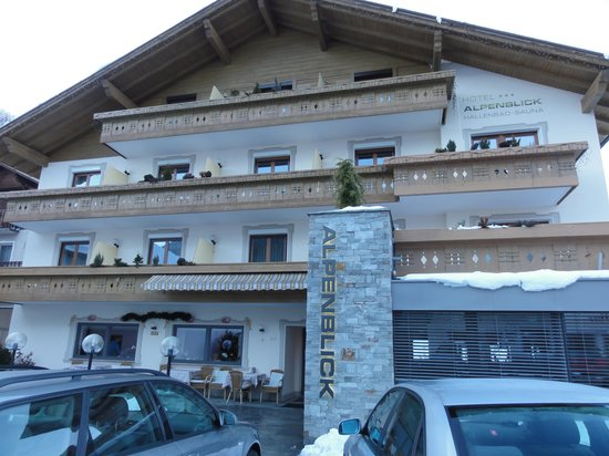 Hotel Alpenblick: facciata