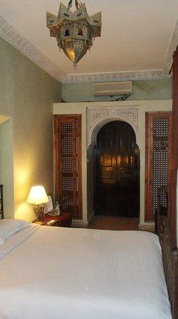 Riad Aguerzame: Chambre