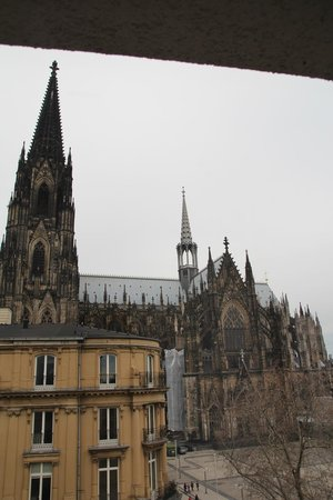 Eden Hotel Fruh am Dom: Utsikt över katedralen från rummet!
