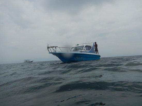 Bali Jet Set Dive and Marine Sports : the boat