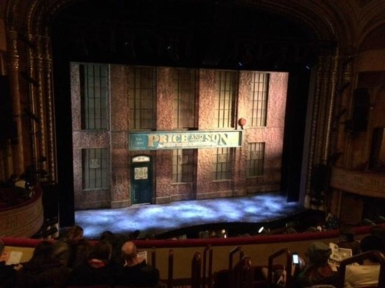 Kinky Boots on Broadway: scene