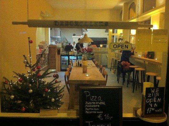 Photo of Italian Restaurant Deegrollers at Jan Pieter Heijestraat 110, Amsterdam 1054 MH, Netherlands