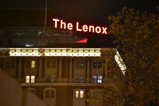 Lenox Hotel : Exterior
