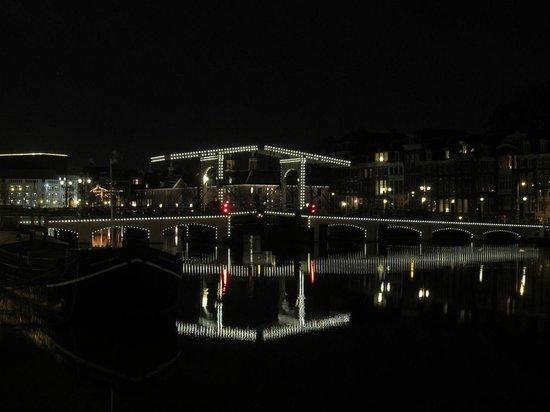 Magere Brug: Beautiful at night!