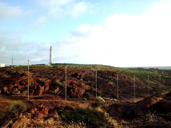 Cape Leeuwin Lighthouse: walking outside the fence