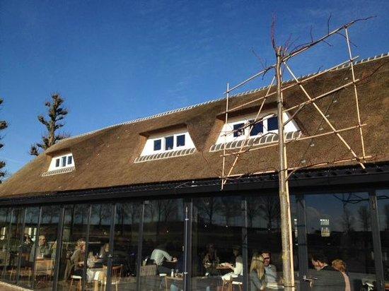 Den Burgh : Outside view