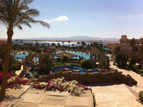 Pyramisa Sahl Hasheesh Resort: Вид из номера Delux