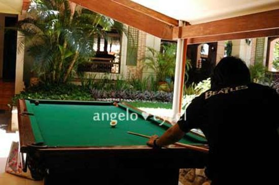 Costabella Tropical Beach Hotel : pool table