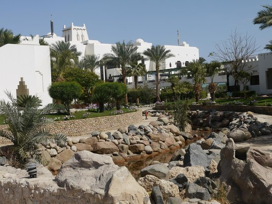 Sharm Plaza Hotel : nice water feature
