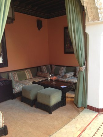 Les Borjs de la Kasbah: one of the many seating areas around the courtyards in the hotel