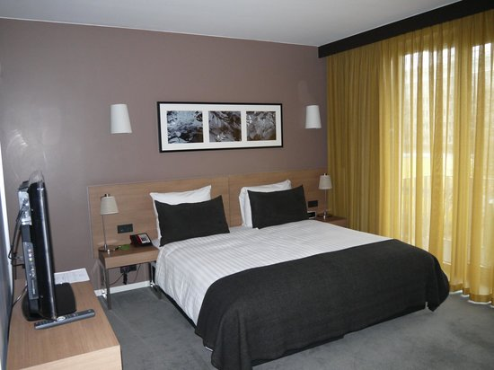 Adina Apartment Hotel Berlin Mitte: Кровать