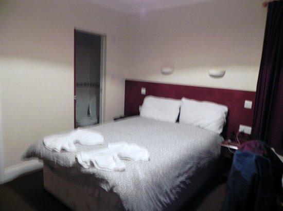 Charlotte Guest House : Habitación