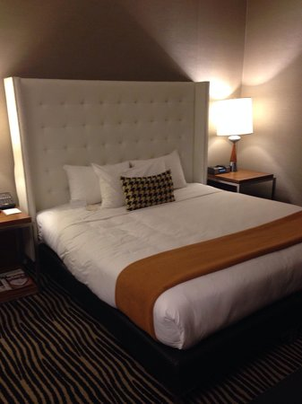 The Bentley Hotel: The bed
