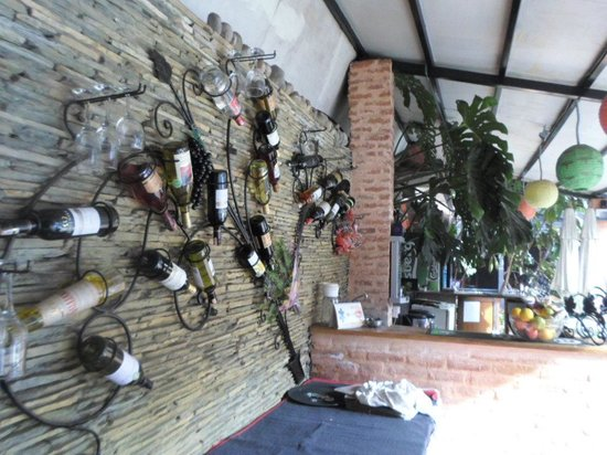 Hotel Encounter Nepal: wine bar