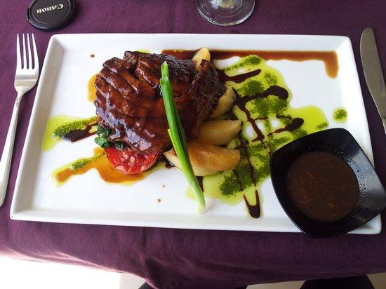 KajaNe Mua Private Villa & Mansion: tuna steak at Kajane Mua