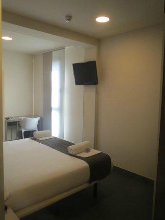 Hotel Laumon: Vista desde la cama de la TV