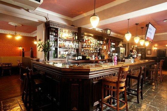 The Southsider Pub: Bar