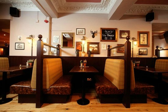 The Southsider Pub: Booths