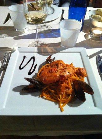 Il Cortile dei Sapori : spaghetti alla chitarra con frutti di mare