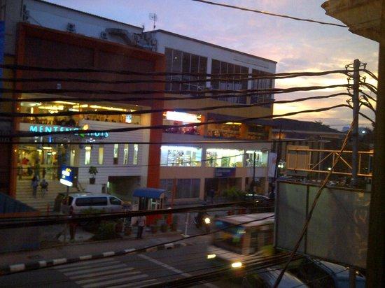 Java Bleu: View to the Cikini street