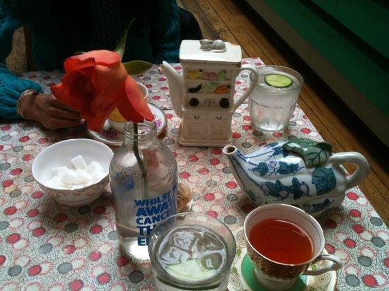 Drink Shop & Do : Cute little teapots