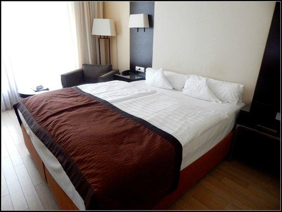 Lion's Garden Hotel: bedroom