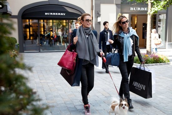 Designer Outlet Roermond : Burberry Shop