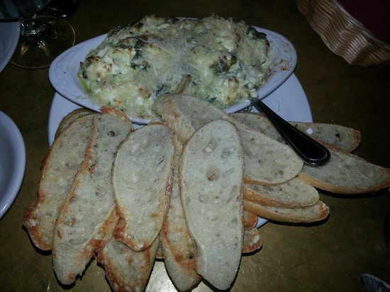 Stacy's Covered Bridge Restaurant: Spinach Artichoke Dip