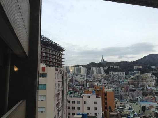 Toyoko Inn Busan Station 2 : view outside the hotel (room 1710)