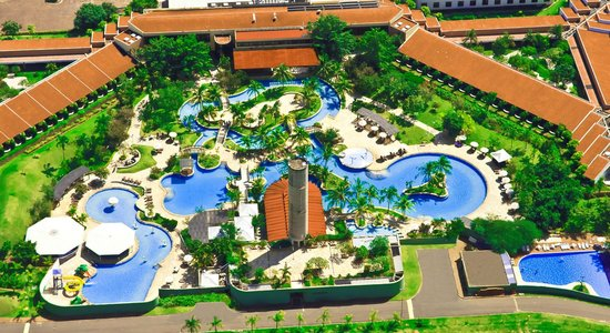 Lins, SP: Descubra um oásis do bem-estar com amplo parque aquático de águas termais naturais.