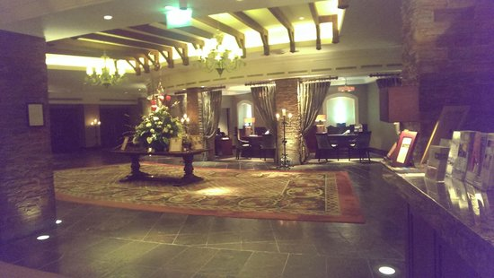 Fota Island Resort: Check in area