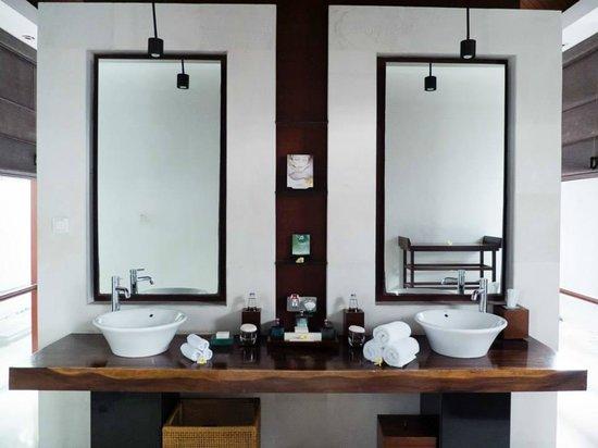 The Kayana Bali: Pool Villa (Bathroom Sinks & Vanity)